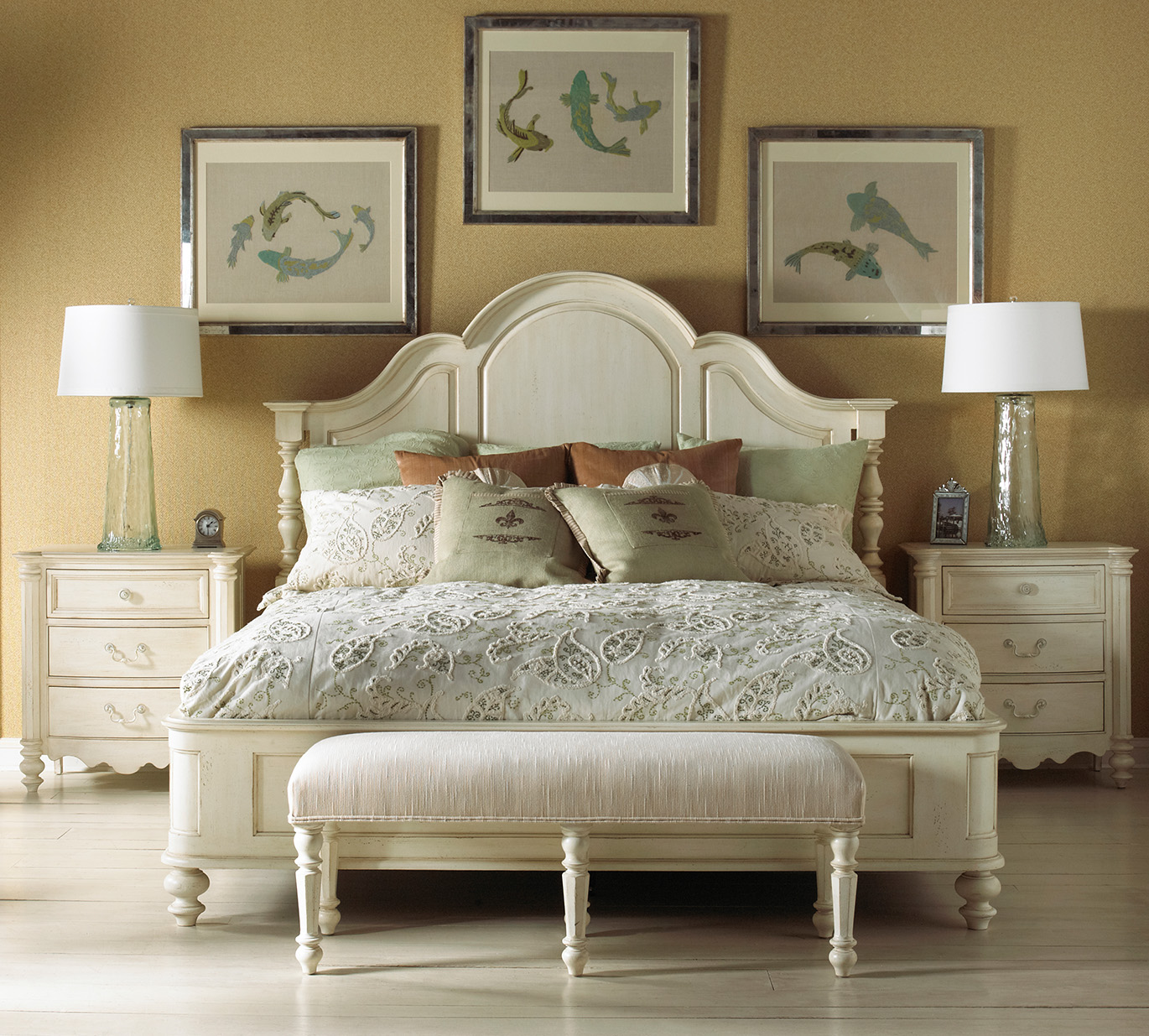 FFDM Summer Home Platform King Bed