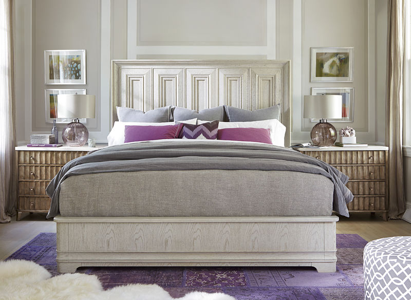 king bed with night stands