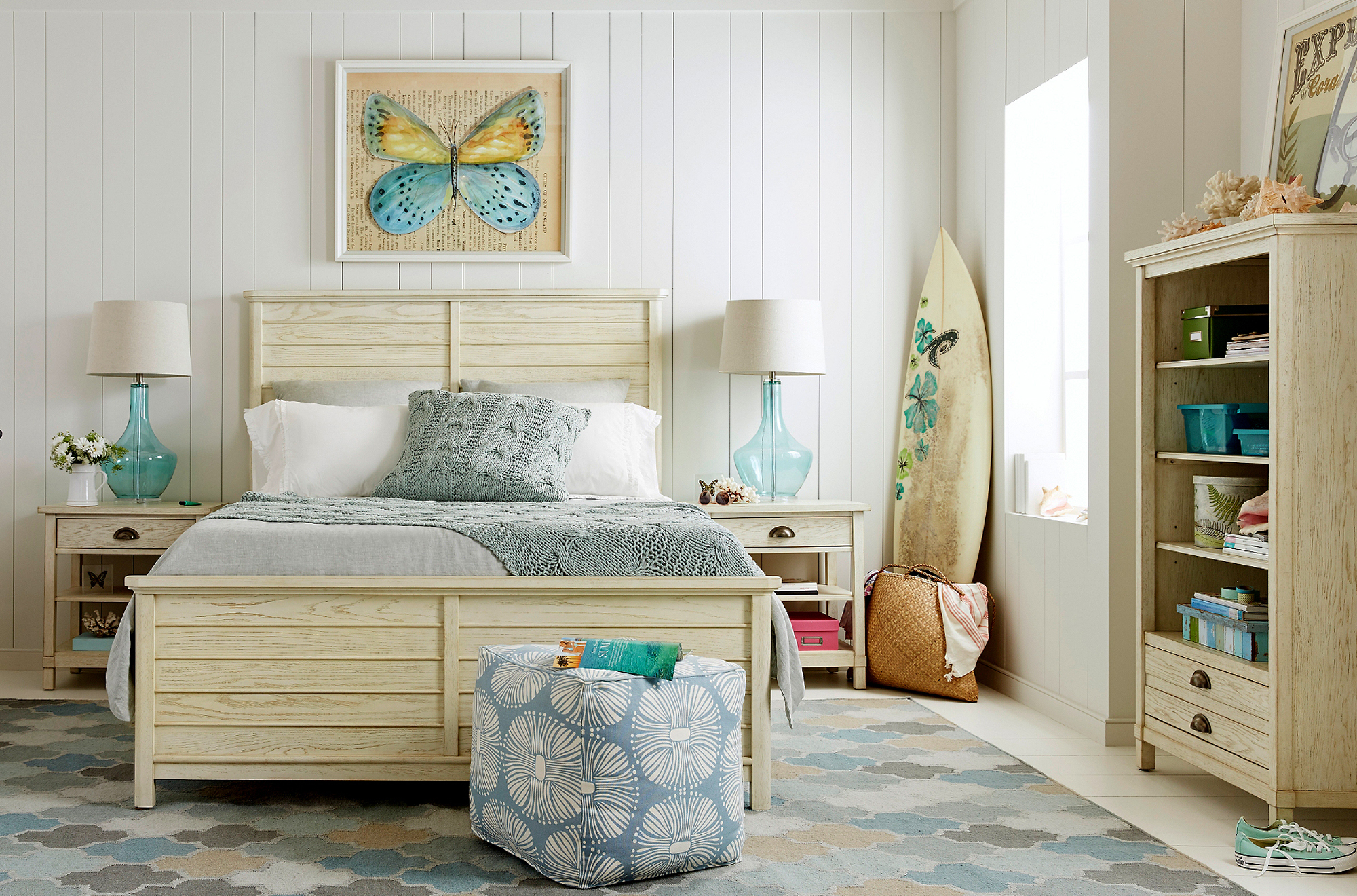 Driftwood Park weathered white bedroom collection