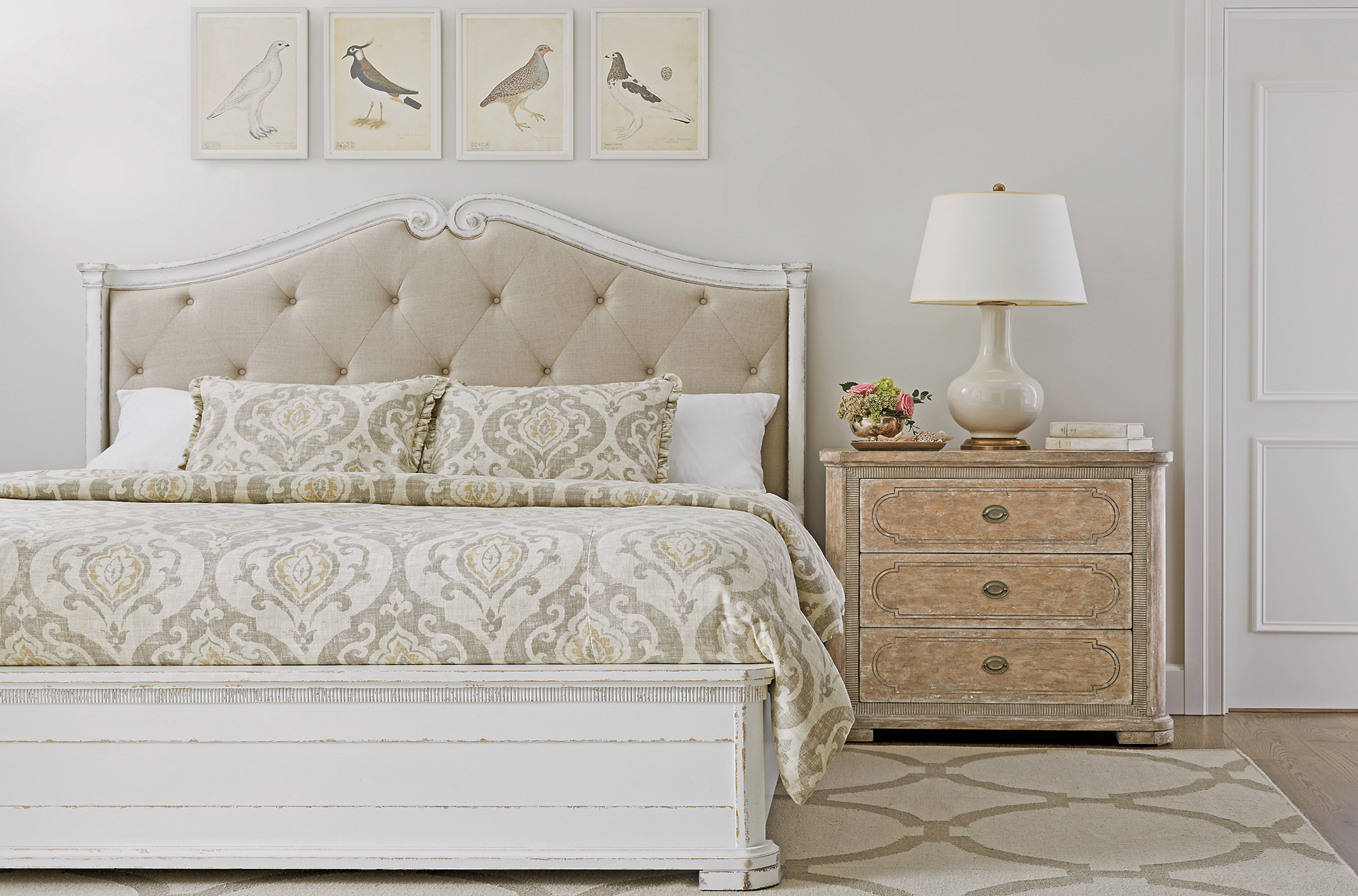 Juniper Dell king bed
