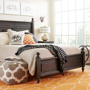 Smiling Hill Stone & Leigh Bed Set