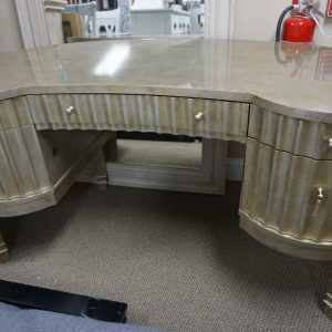 Hooker Mealnie Fluted Kidney Desk 1
