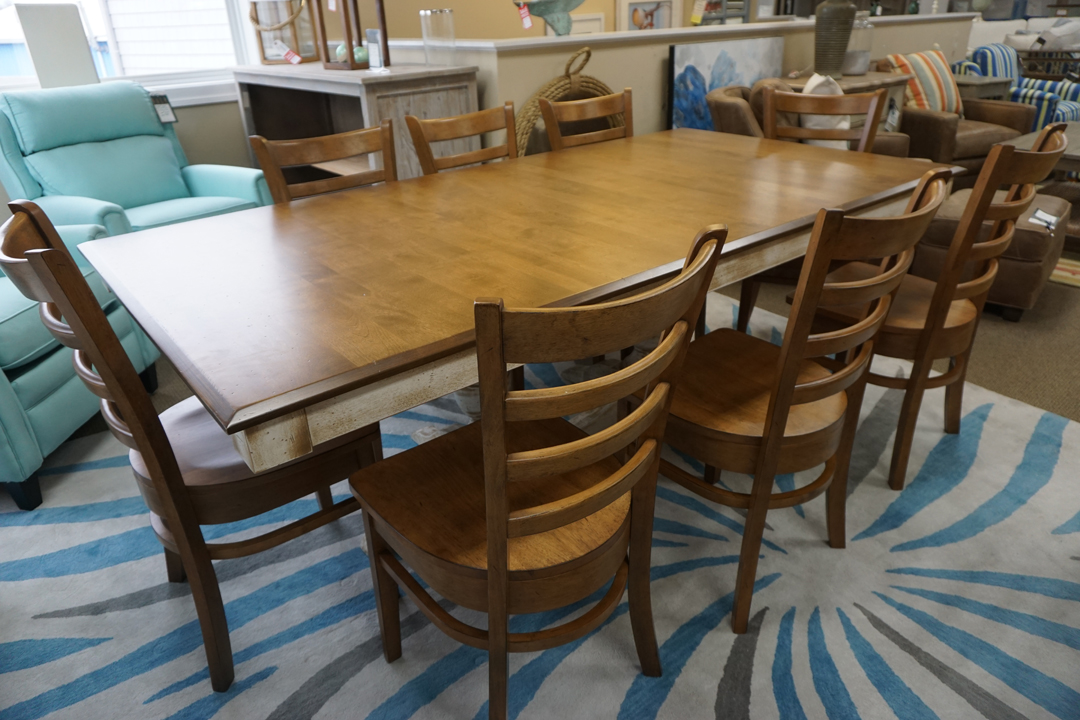 Canadel Dining Table With 8 Chairs
