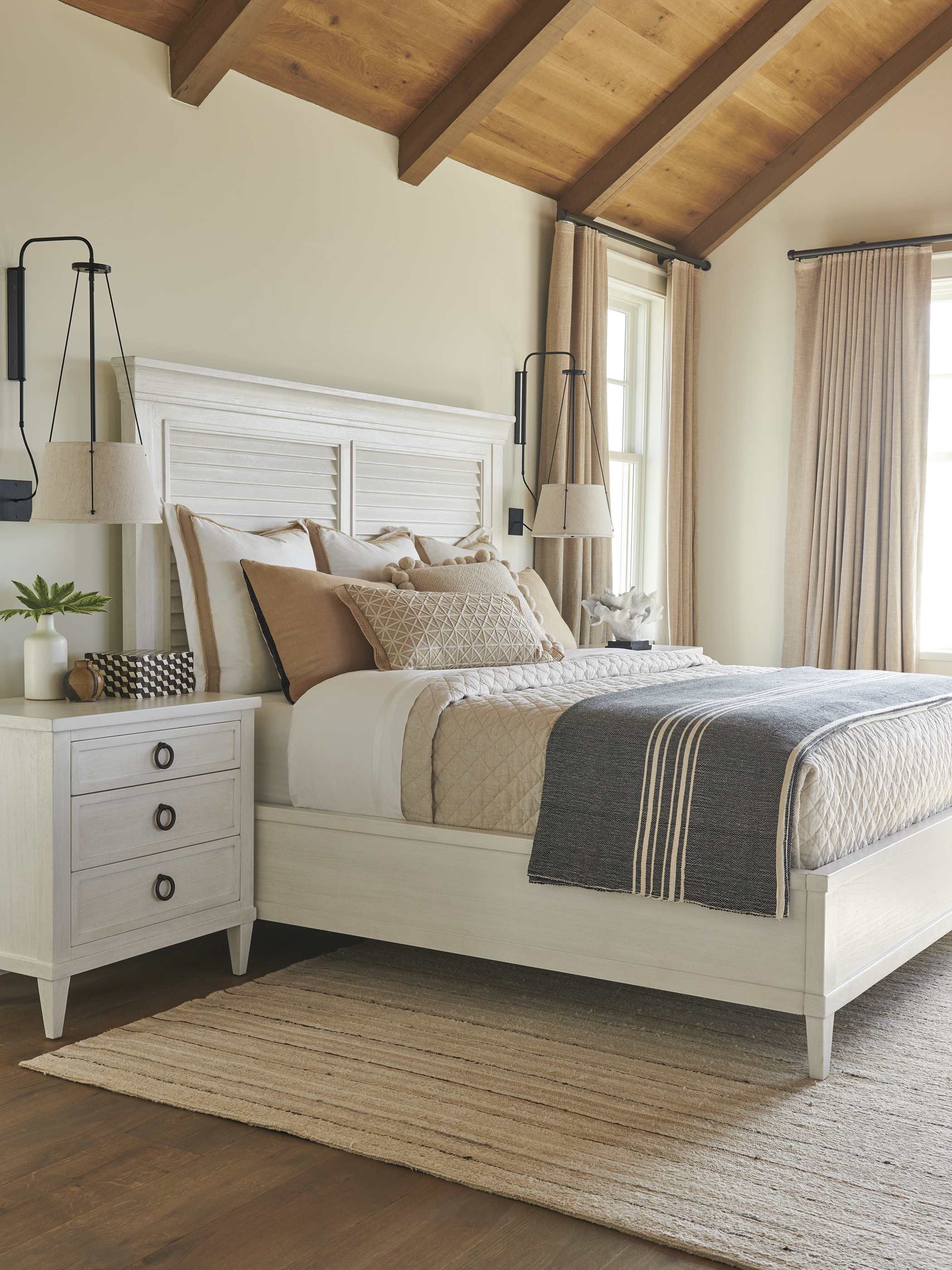 Ocean Breeze Panel Bed2